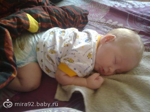 Мюстард: ребенок 3 года писяет какает