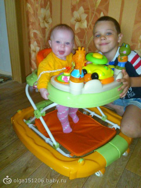 Можно ли сажать детей на ходунки 681