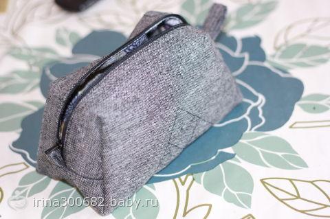 как носить пончо с сумкой или рюкзаком