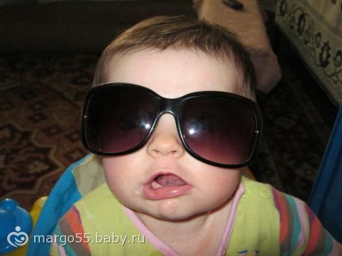 Арина и очки))) фото